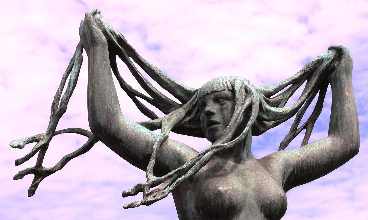 sculpture-650102_1280