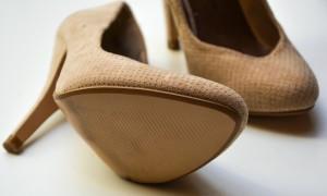 high-heels-1327021_1920