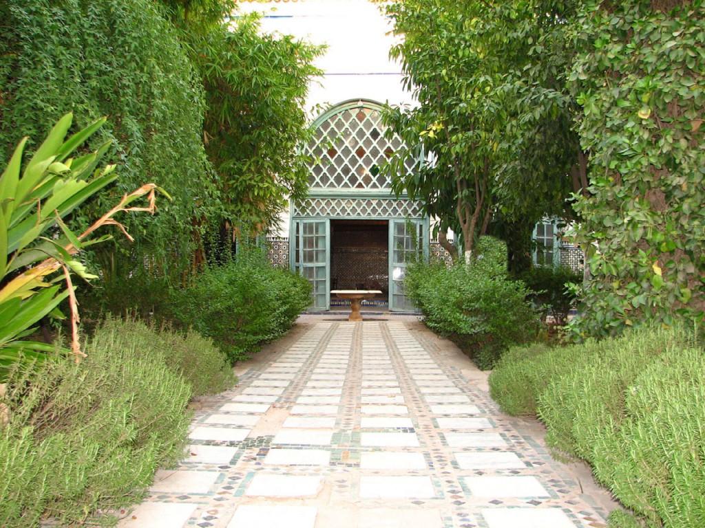 ogród w haremie pałacu El-Bahia