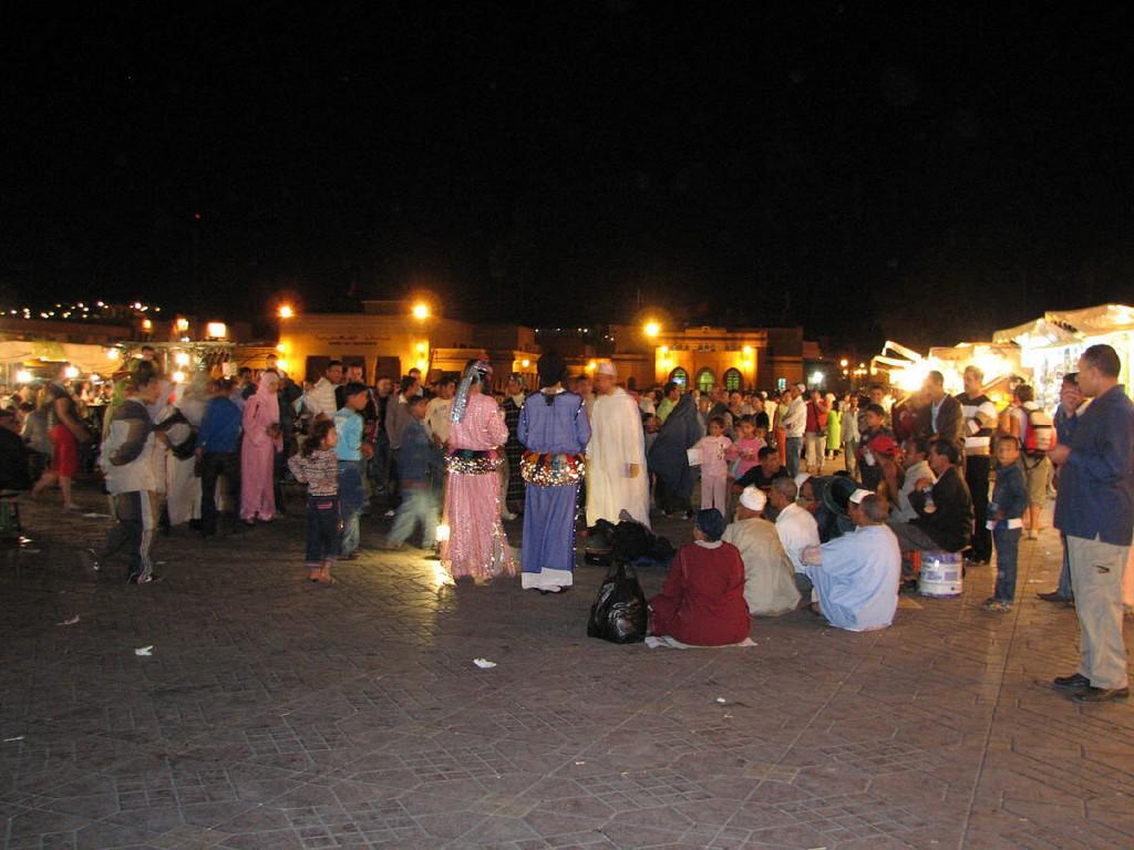 wiecz+-r na placu D+-emaa El-Fna
