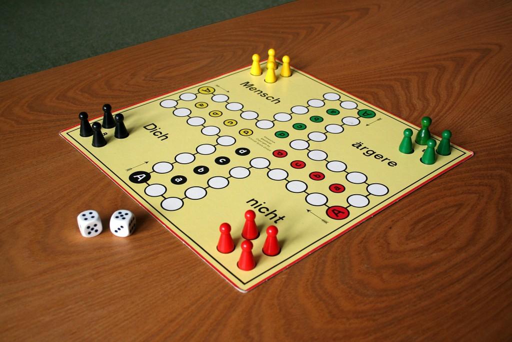 play-614898_1920