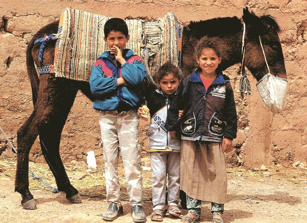 Dzieci w drodze do domu
