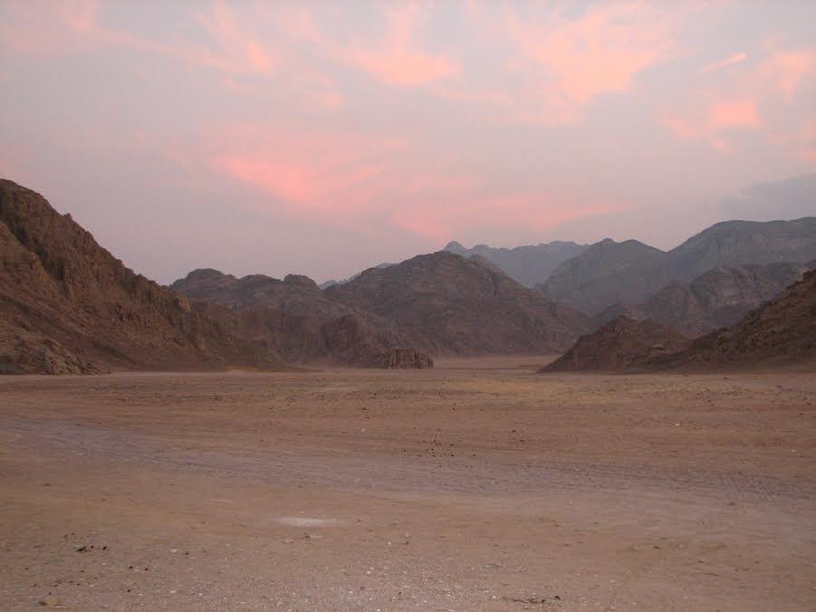 Zachód słońca nad pustynią