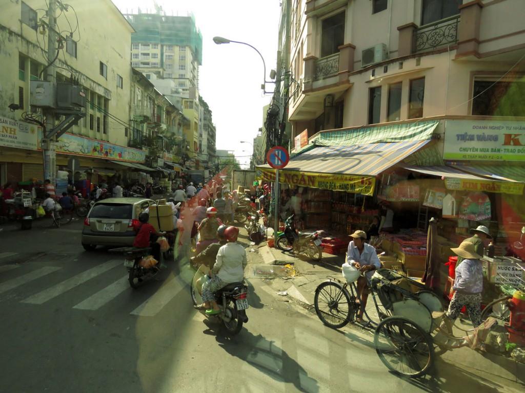 Uliczny ruch w Sajgonie