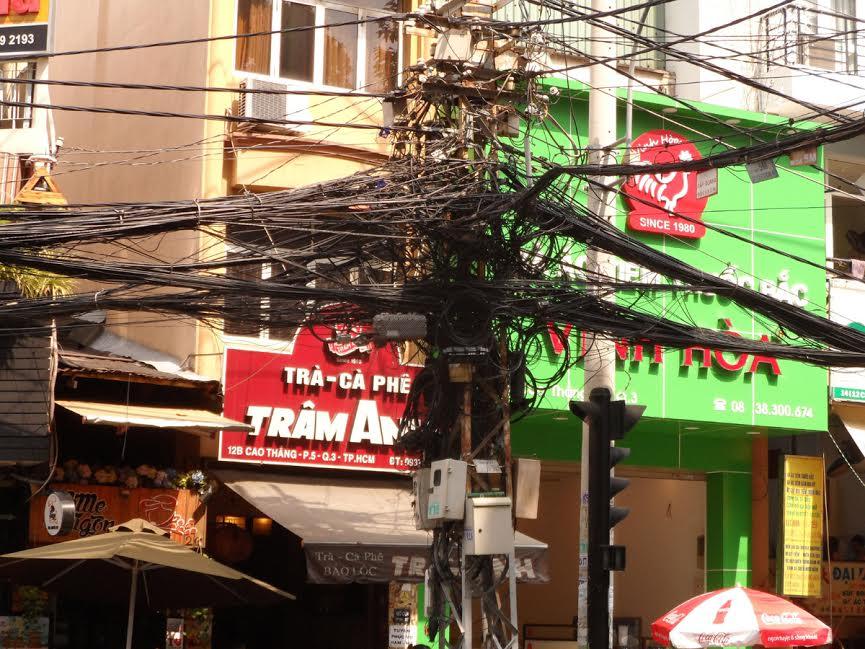 Supeł z przewodów elektrycznych