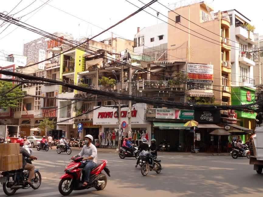 Przewody nad ulicą