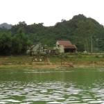 rzeka Son i zabudowania wiejskie