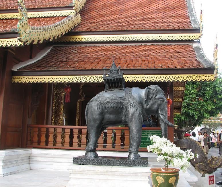 Posąg świętego słonia