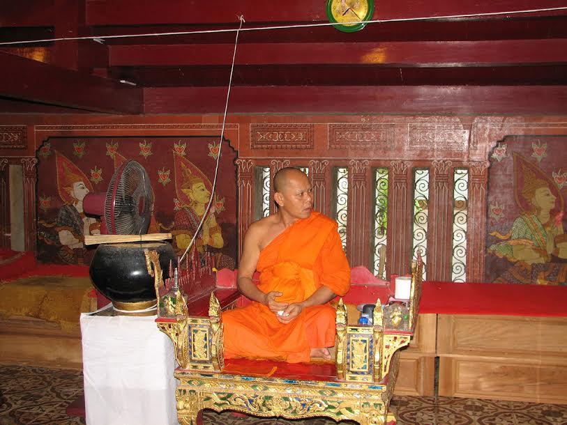 Mnich oczekujący na pielgrzymów