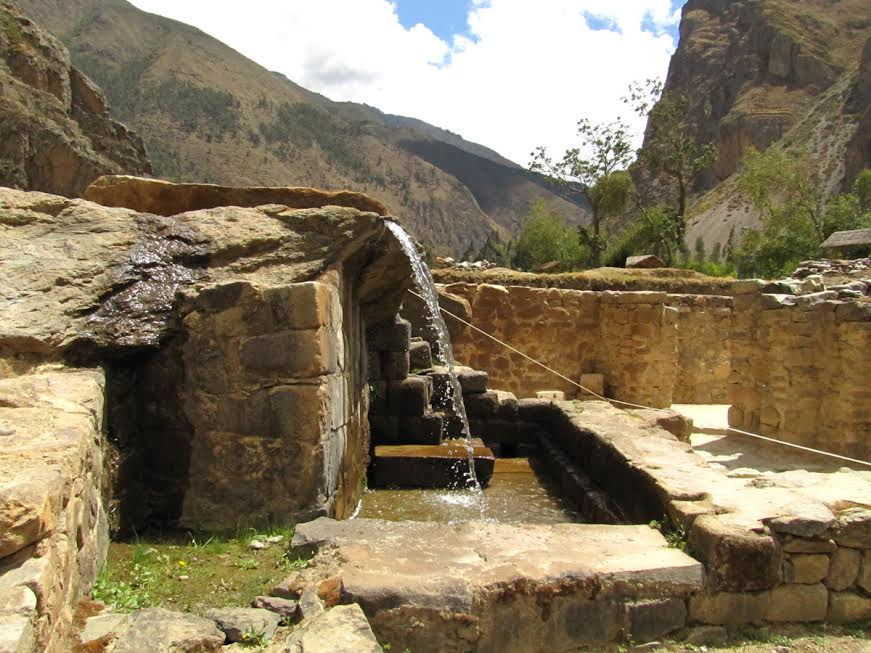 wodociągi inkaskie w Ollantaytambo