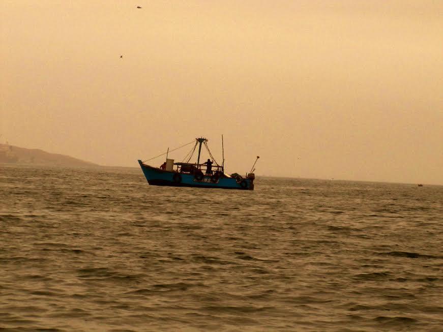 kuter rybacki na morzu