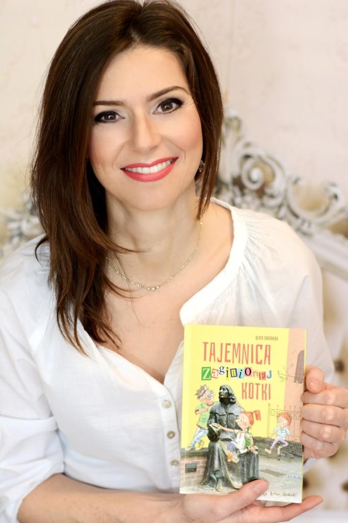 Autorka z pierwszą książką dla dzieci Tajemnica zaginionej kotki