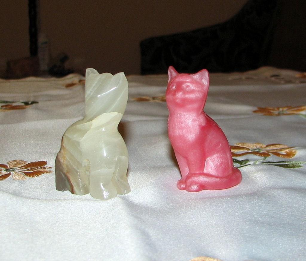 Kot mydlany i onyksowy kot z Maroka