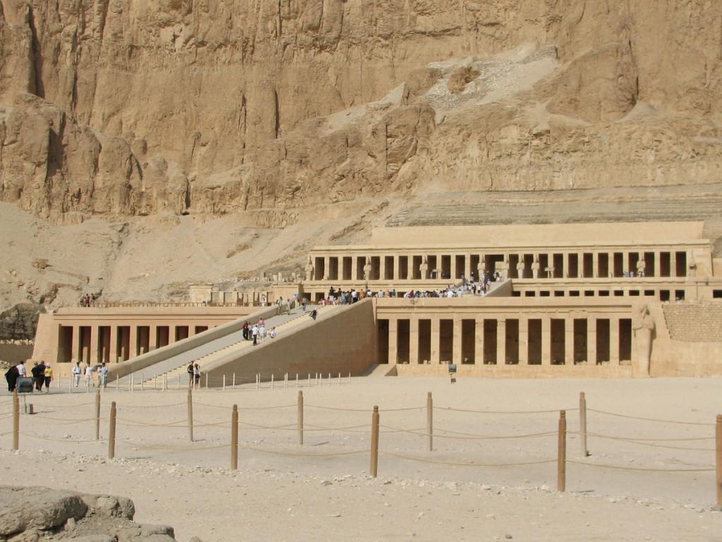 ut w dolinie Deir el-Bahari