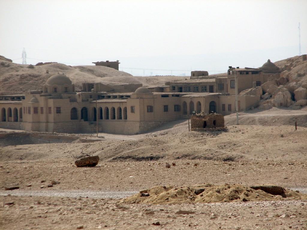 Polska misja archeologiczna w dolinie Deir el-Bahari