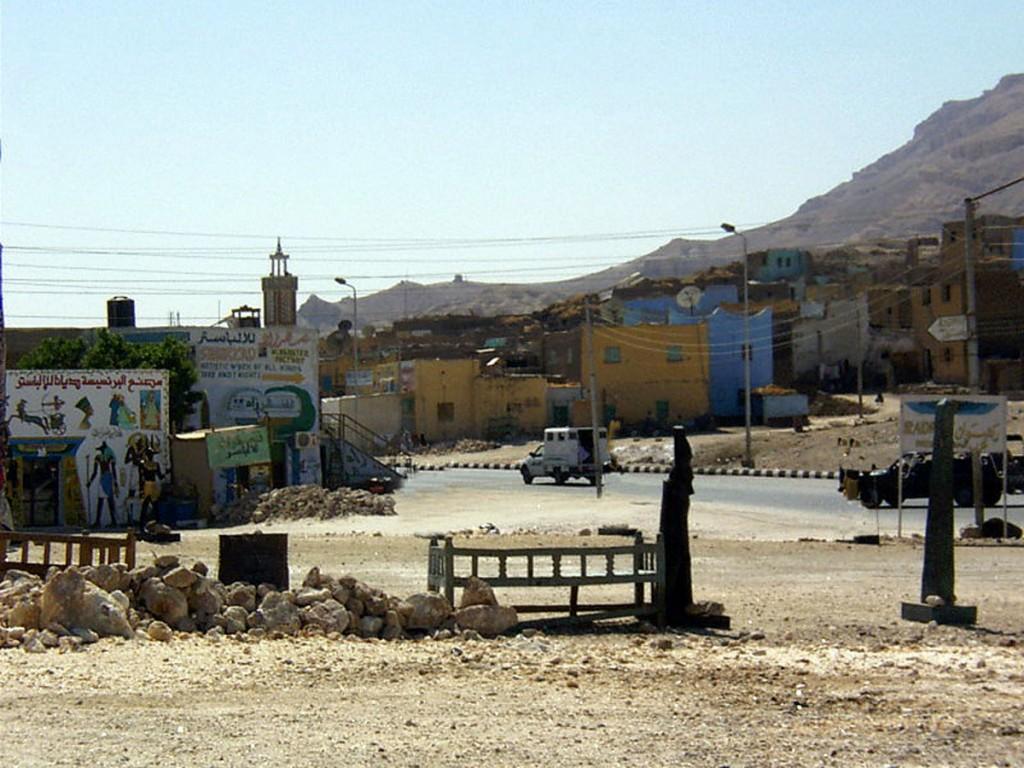 wioska w tebańskich górach