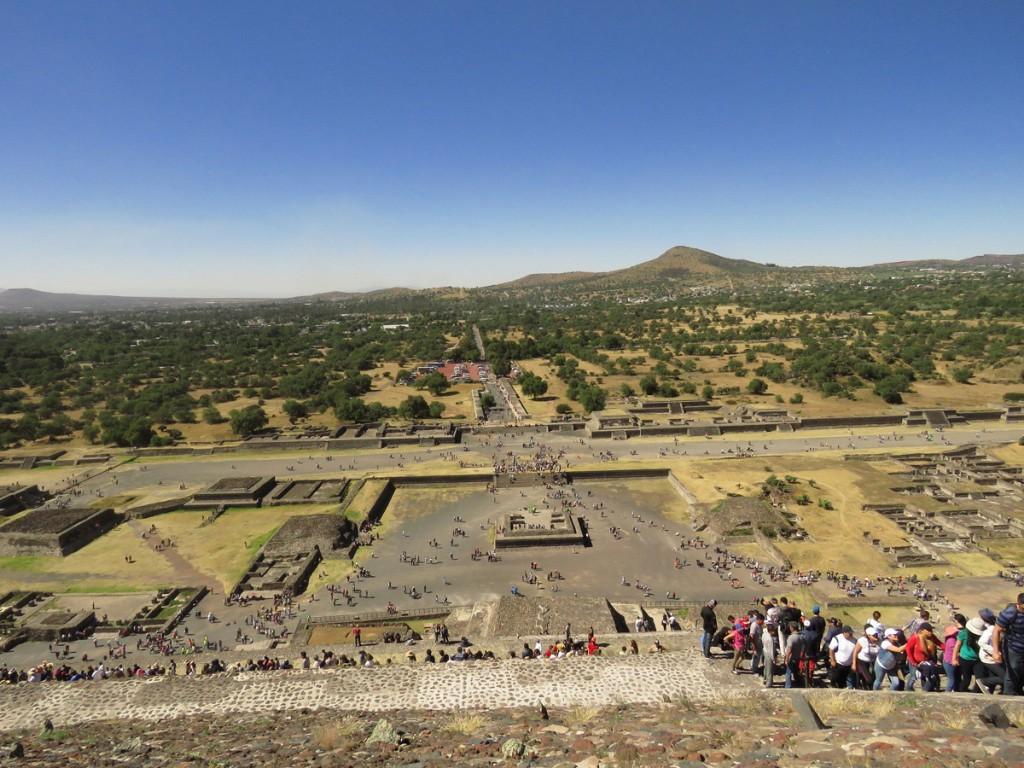 Widok na Teotihuacán ze szczytu Piramidy Słońca