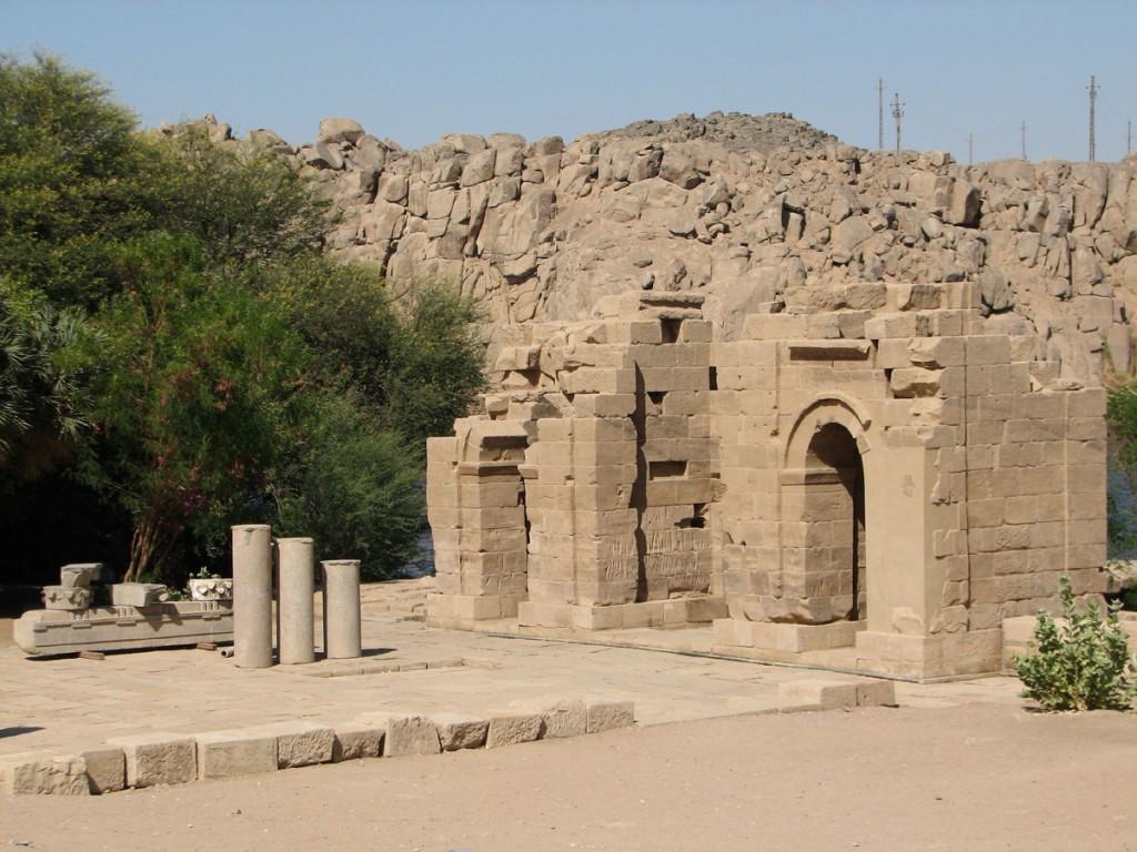 Ruiny Domu Narodzin Mammisi