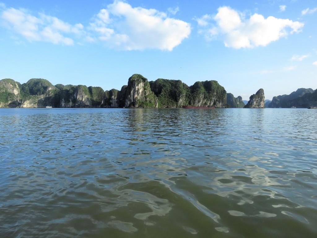 Zatoka Ha Long w słońcu