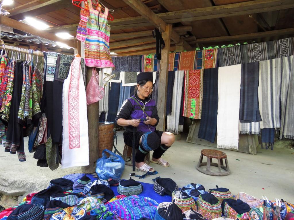 Kobieta z Czarnych Hmongów