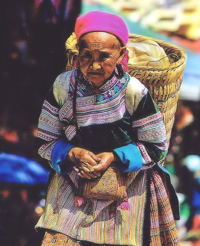 Kobieta z Kwiecistych Hmongów