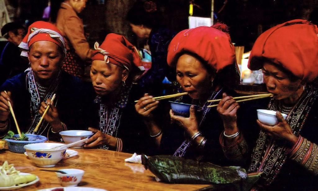 Kobiety z Czerwonych Hmongów
