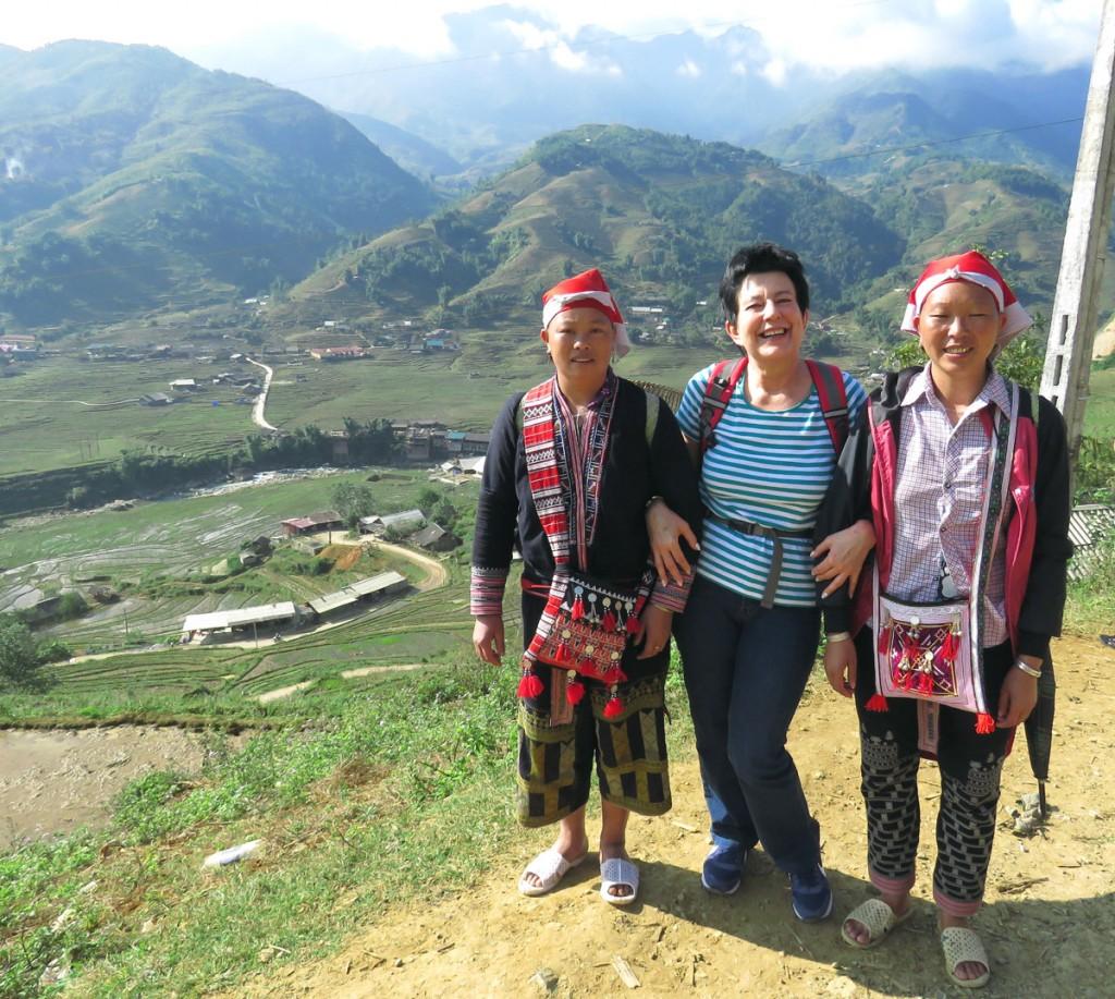 Wśród kobiet Czerwonych Hmongów