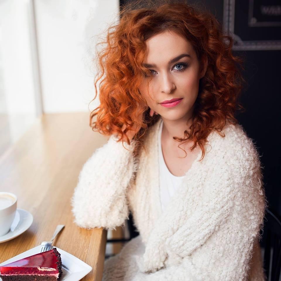 """""""Perypetie bohaterów same cisną mi się do głowy"""" - wywiad z Agatą Przybyłek"""