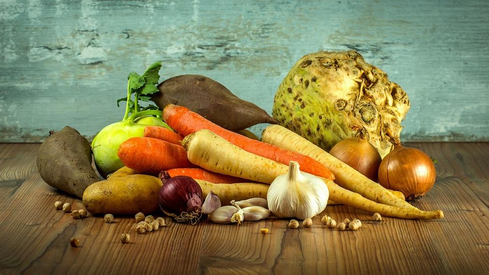 SŁÓW KILKA WRÓBLA ĆWIRKA: Warzywom w rosole podaruj życie w nagrodę