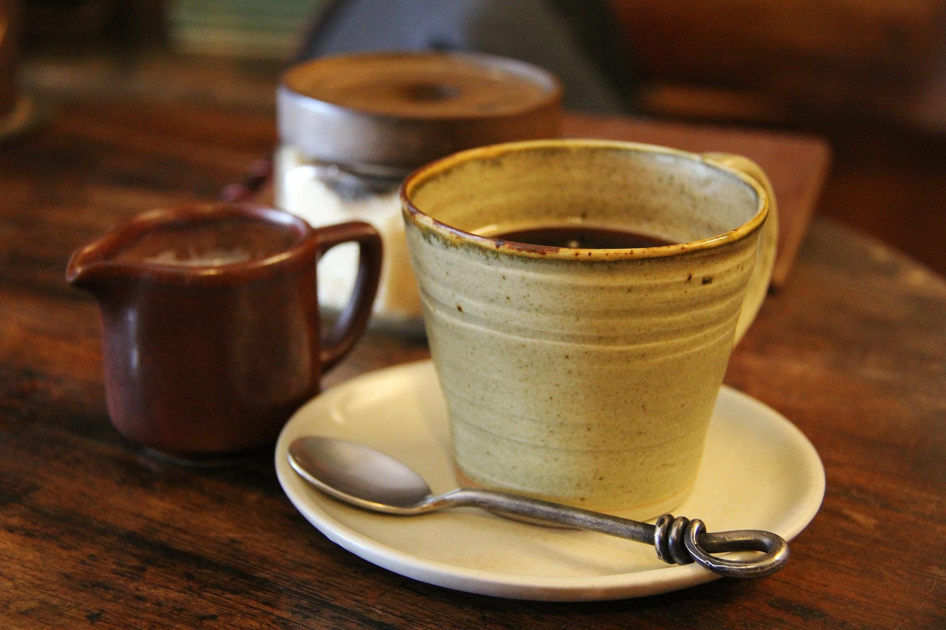"""""""Oko na maroko"""", czyli przepis na rozgrzewające herbatki z makijażem w tle"""