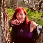 """""""Lecę przez życie na skrzydłach emocji"""" - o pasjach i emocjach opowiada pisarka Karolina Wilczyńska"""